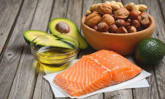 น้ำมันปลาโอเมก้า 3 เป็นโปรตีนที่เสริมสร้างกล้ามเนื้อ